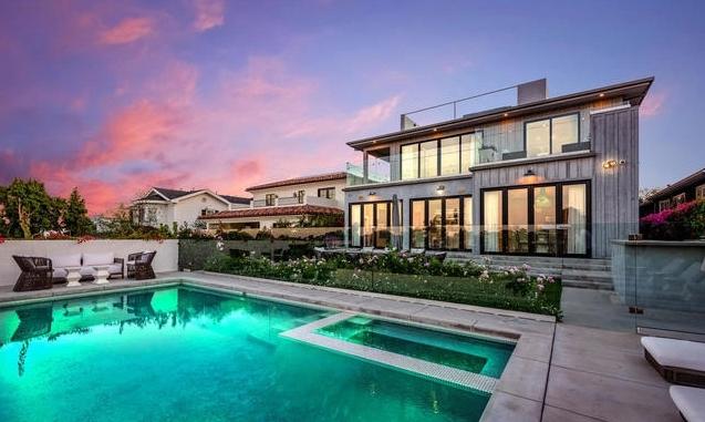 6,6 million property view 1